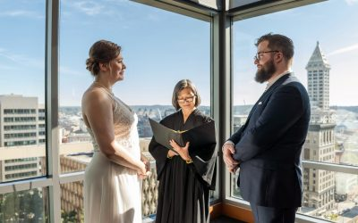 Jonas and Sarah's Summer in Seattle Courthouse Elopement